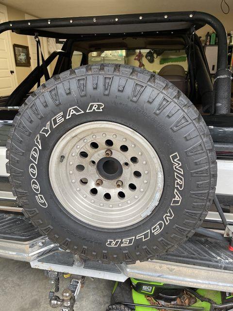 1993 bronco spare tire