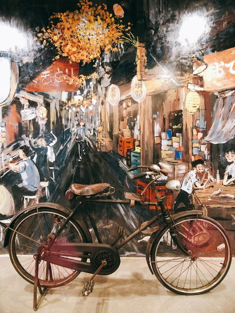 《胡同裏的寬巷子》 店外腳踏車