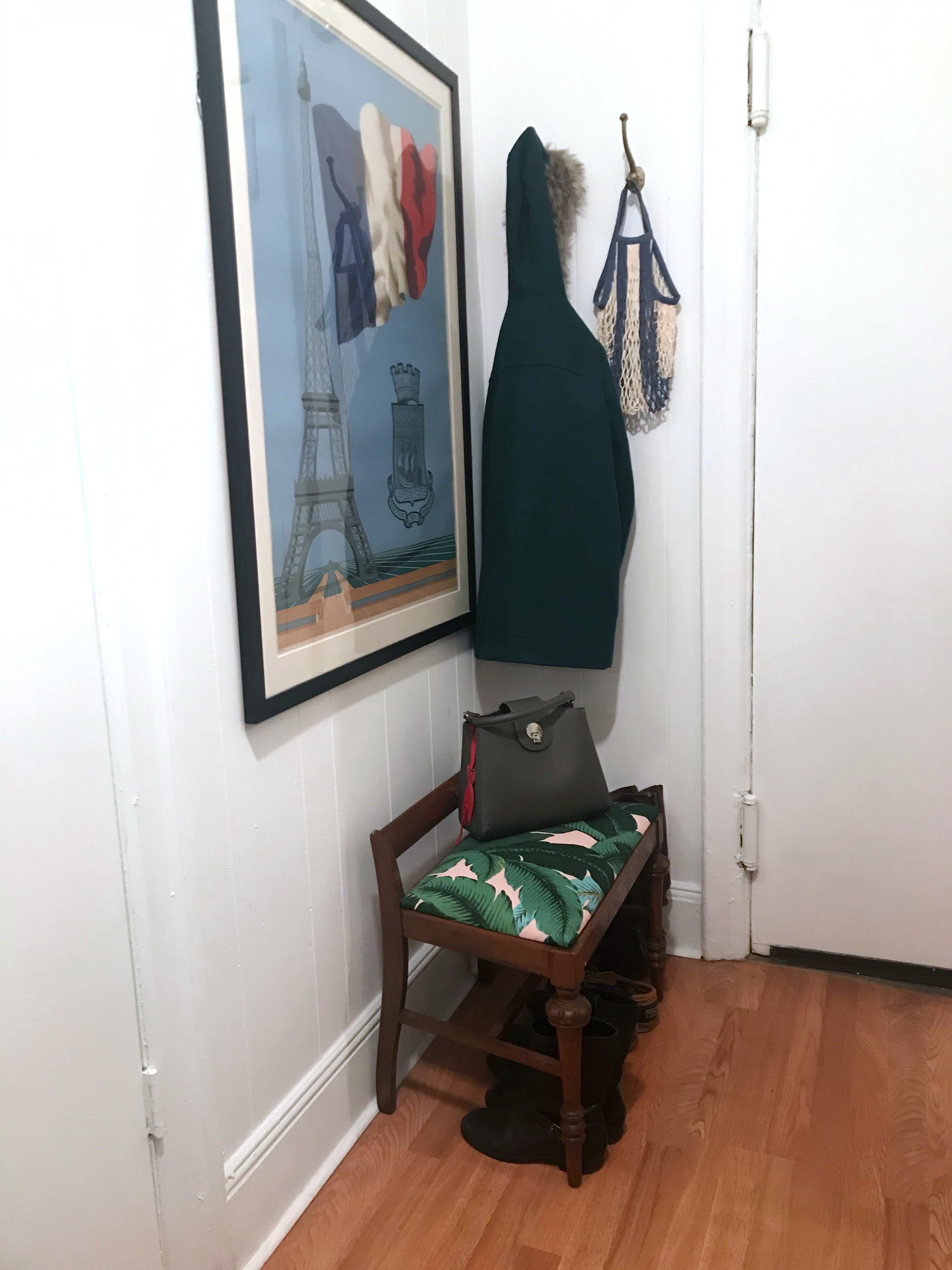 How to Hack an Entryway in a Small Apartment With Just Three Items