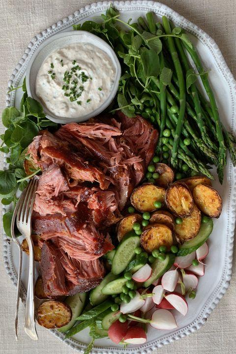Dish, Food, Cuisine, Ingredient, Flat iron steak, Steak, Pork chop, Roast beef, Meat, Pork steak,