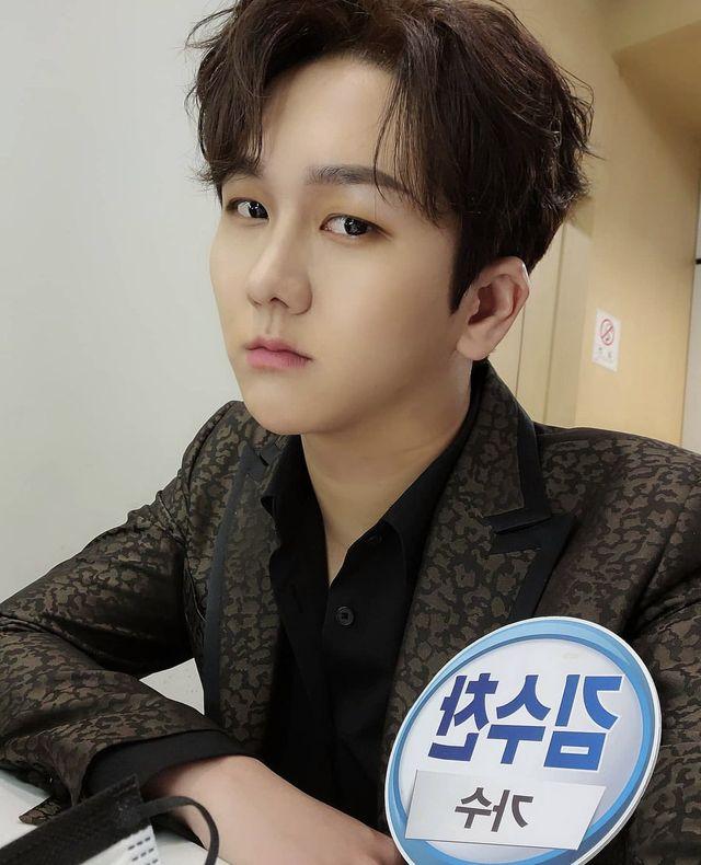 韓国演歌(トロット)歌手キム・スチャンが6月24日、自身のinstagramを更新。3年間にわたり所属事務所からギャランティが支払われず、借金が2,000万円まで膨れ上がったと告発し、問題となっている。