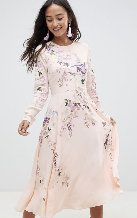 e4b150a91 El vestido de Asos de la reina Letizia que cuesta menos de 100 €- El ...