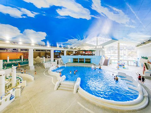 Swimming pool, Leisure centre, Resort, Property, Building, Leisure, Resort town, Sky, Vacation, Real estate,