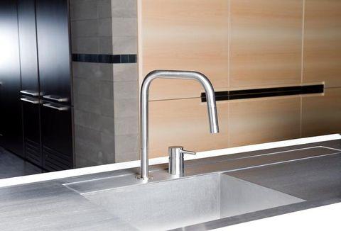 Tap, Tile, Sink, Room, Plumbing fixture, Material property, Architecture, Handle, Shower bar, Floor,