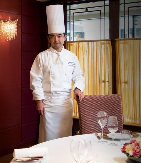 「帝国ホテル」東京料理長、杉本雄さんさん。