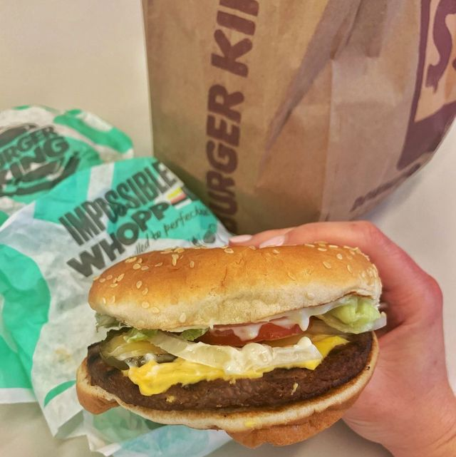 Which Fast Food Restaurants Serve Impossible Burgers Best