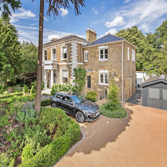 Grand 18th century London home situated on a triple plot for sale in Twickenham
