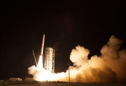 NASA Launches Robotic Explorer To The Moon
