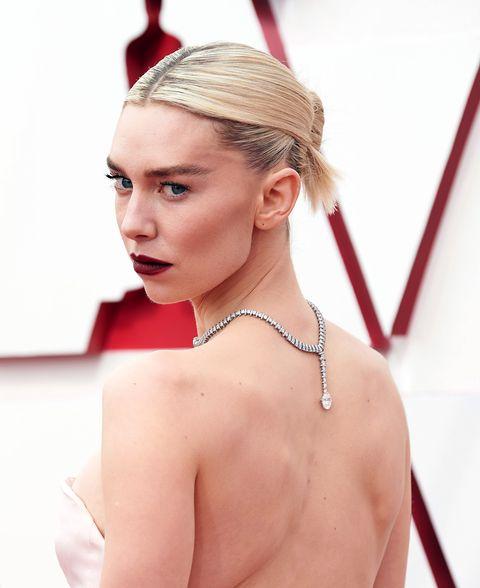 【2021奧斯卡】第93屆奧斯卡紅毯最美珠寶!「亞曼達塞佛瑞、凡妮莎寇比、千戴亞」戴頂級鑽石紅毯爭妍