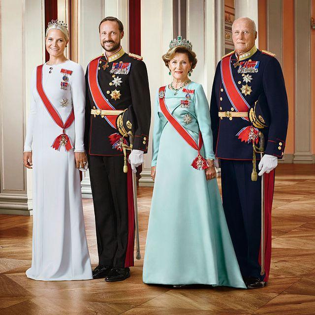 ノルウェー国王ハーラル5世&ソニア王妃の長男ホーコン王太子が、7月20日で48歳を迎えるのを記念して、この機会にノルウェーのロイヤルファミリーの面々を覚えてみてください。
