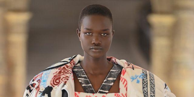 louis vuitton runway  paris fashion week womenswear fall winter 2021 2022