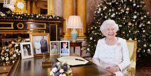 koningin-elizabeth-kerst-outfit