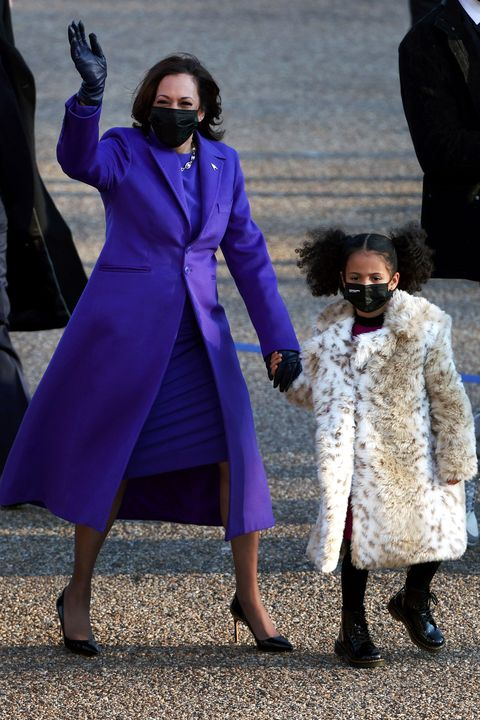 washington, dc   january 20   us vice president kamala harris walks the abbreviated parade route with her great niece amara after us president joe biden's inauguration on january 20, 2021 in washington, dc  biden became the 46th president of the united states earlier today during the ceremony at the us capitol  photo by patrick smithgetty images