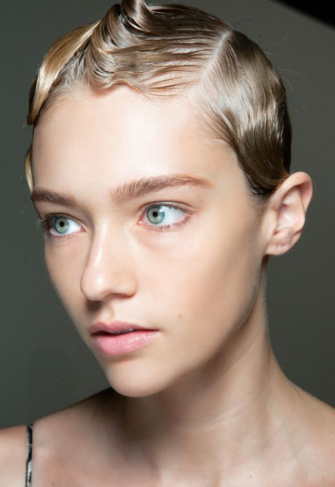 Face, Hair, Eyebrow, Hairstyle, Forehead, Chin, Skin, Cheek, Lip, Beauty,