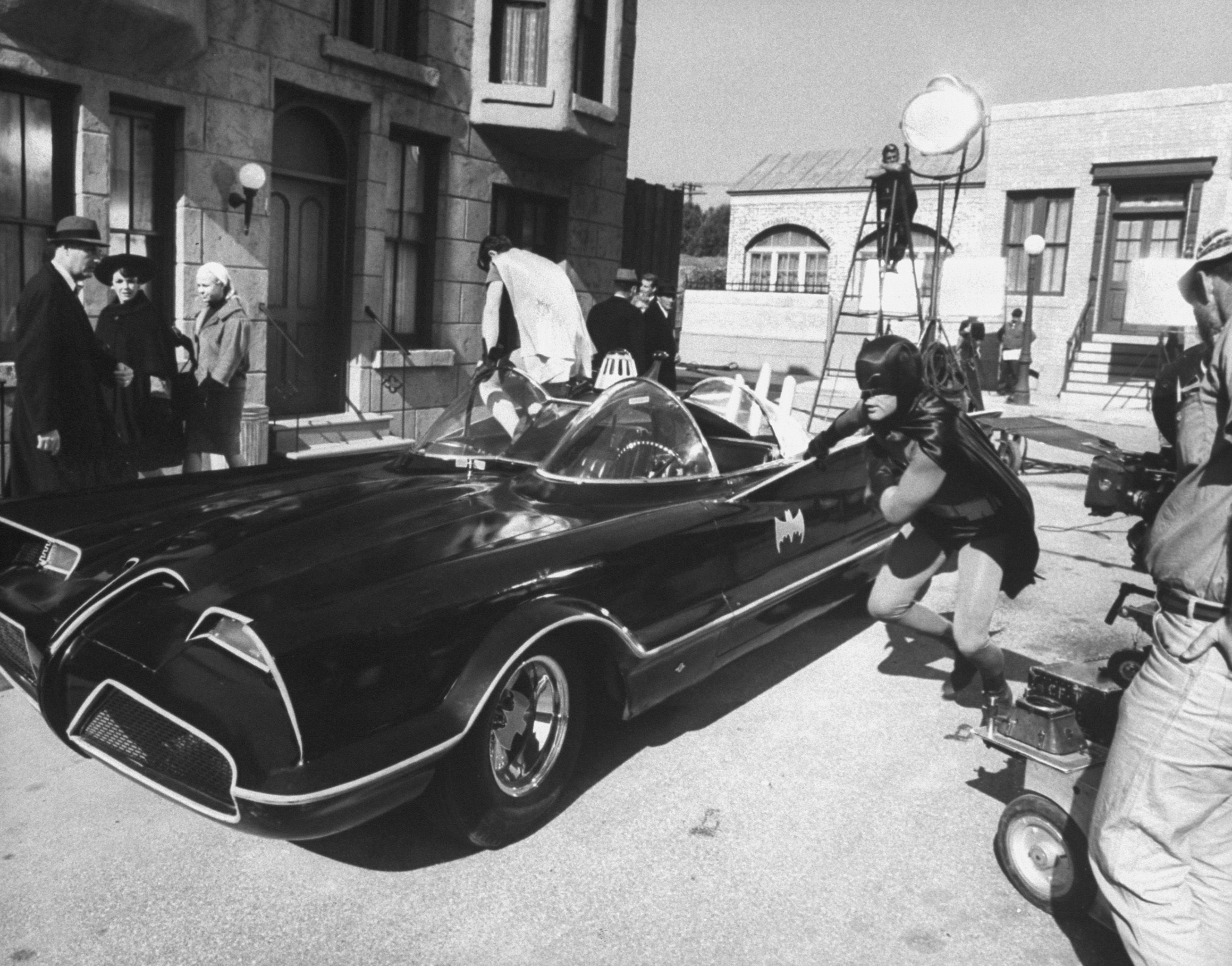 45 Behind-the-Scenes Photos From the Set of Batman Films and TV Shows
