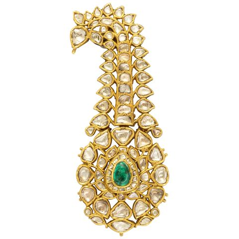 Jewellery, Fashion accessory, Body jewelry, Gold, Gemstone, Emerald, Pendant, Metal, Necklace,