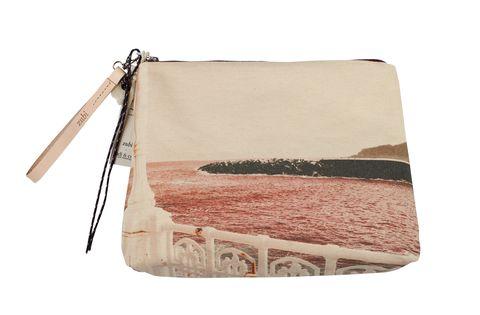 Bag, Pink, Handbag, Coin purse, Beige, Fashion accessory, Zipper, Wristlet,