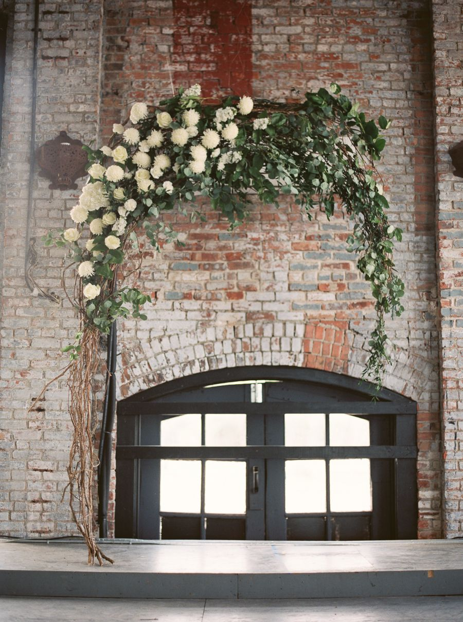 Industrial Wedding Decor | Industrial Chic Wedding Decor Ideas Minimalist Concrete Bridal Trend