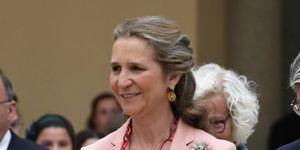 Infanta Elena entrega premios de pintura infantil y juvenil de Madrid.
