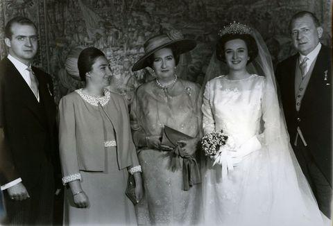 La infanta Pilar de Borbón familia hijos hermanos nietos
