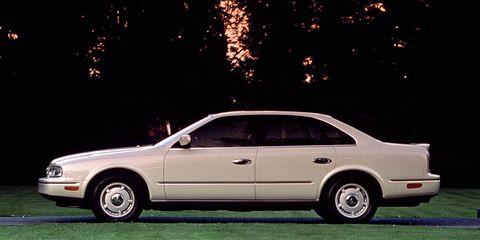 Land vehicle, Vehicle, Car, Luxury vehicle, Full-size car, Mid-size car, Sedan, Personal luxury car, Rim, Coupé,