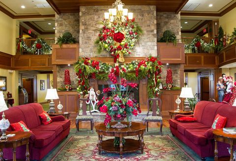The Inn At Christmas Place.The Inn At Christmas Place Pigeon Forge Hotel That