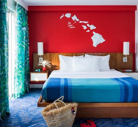 el hotel más colorido e instagrameable de hawái es shoreline