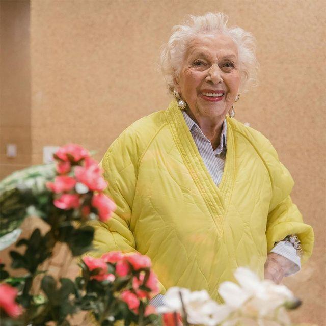iran khanoo, la instagramer de 91 años que mejor viste de zara