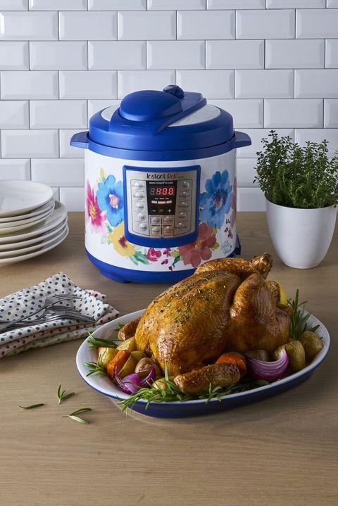 Food, Dish, Hendl, Cuisine, Turkey meat, Drunken chicken, Ingredient, Meal, Chicken meat, Turkey,