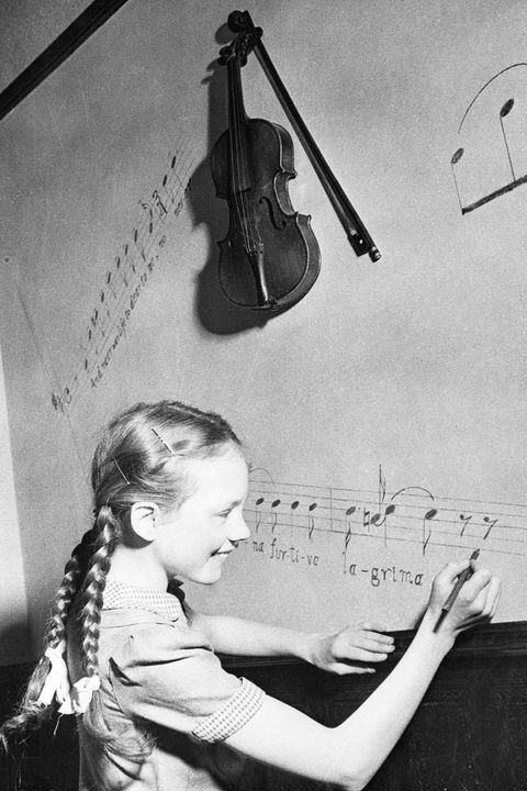 julie andrews writing music on wall