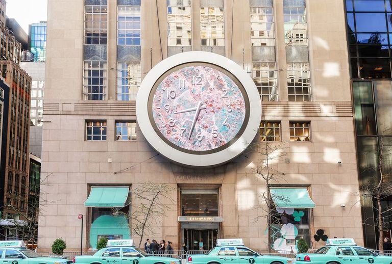 Tiffany blue taxis are coming to new york city my style news to celebrate the launch of tiffany cos new jewelry collection paper flowers new yorkers will find their commute delightfully upgraded this week mightylinksfo