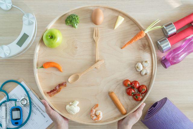 インターミッテント ファスティング 断食 メリット 注意点 ダイエット 健康 ヘルシー 減量