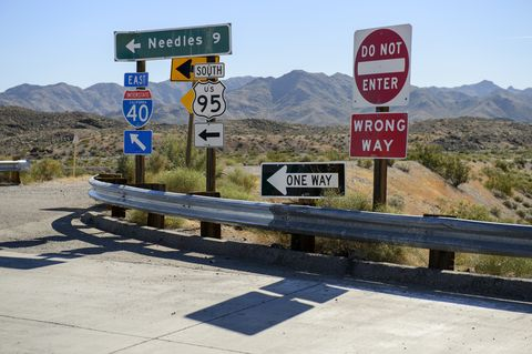 Highway Gothic vs Clearview: Battle of the U.S. Road Sign Fonts