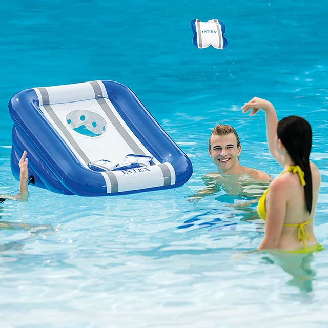 inflatable cornhole pool board game from intex