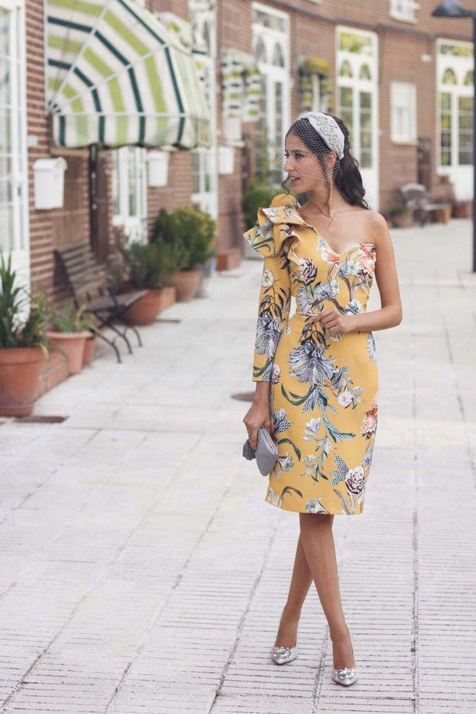 fe0a2a9c53 La instagramer española con los mejores looks de invitada de boda