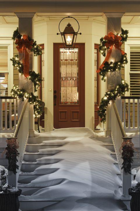 christmas fun facts -christmas doorway