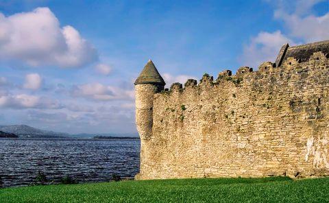 Imagen de un castillo de Irlanda, escenario de Juego de Tronos.