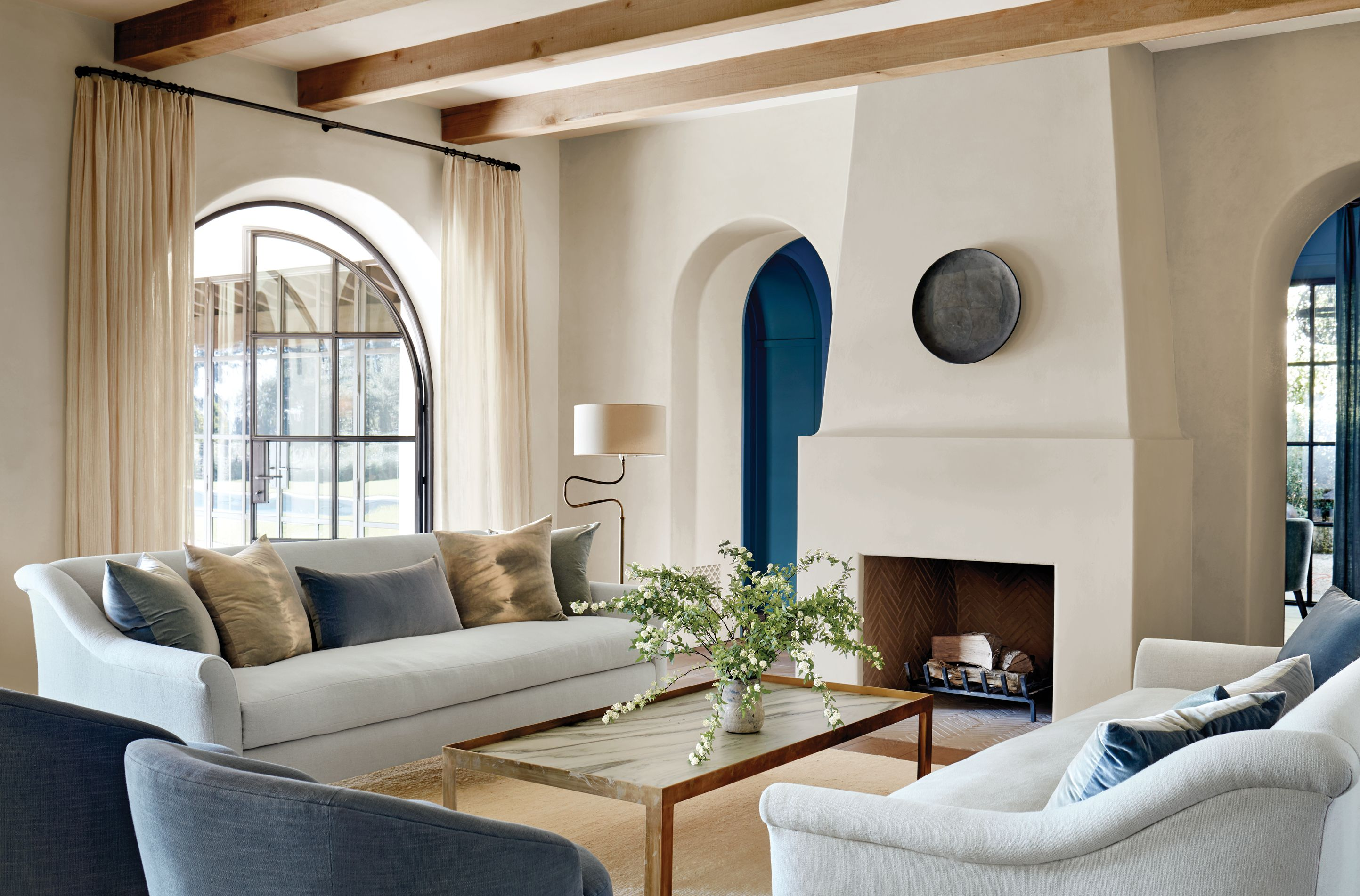 Tour a Minimalist Los Angeles Home by Kathryn Ireland   Gorgeous ...