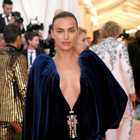Why Isnt Bradley Cooper At The Met Gala Irina Shayk Met Gala Red