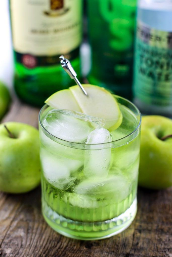 Irish Sour Apple - St Patrick's Day Drinks