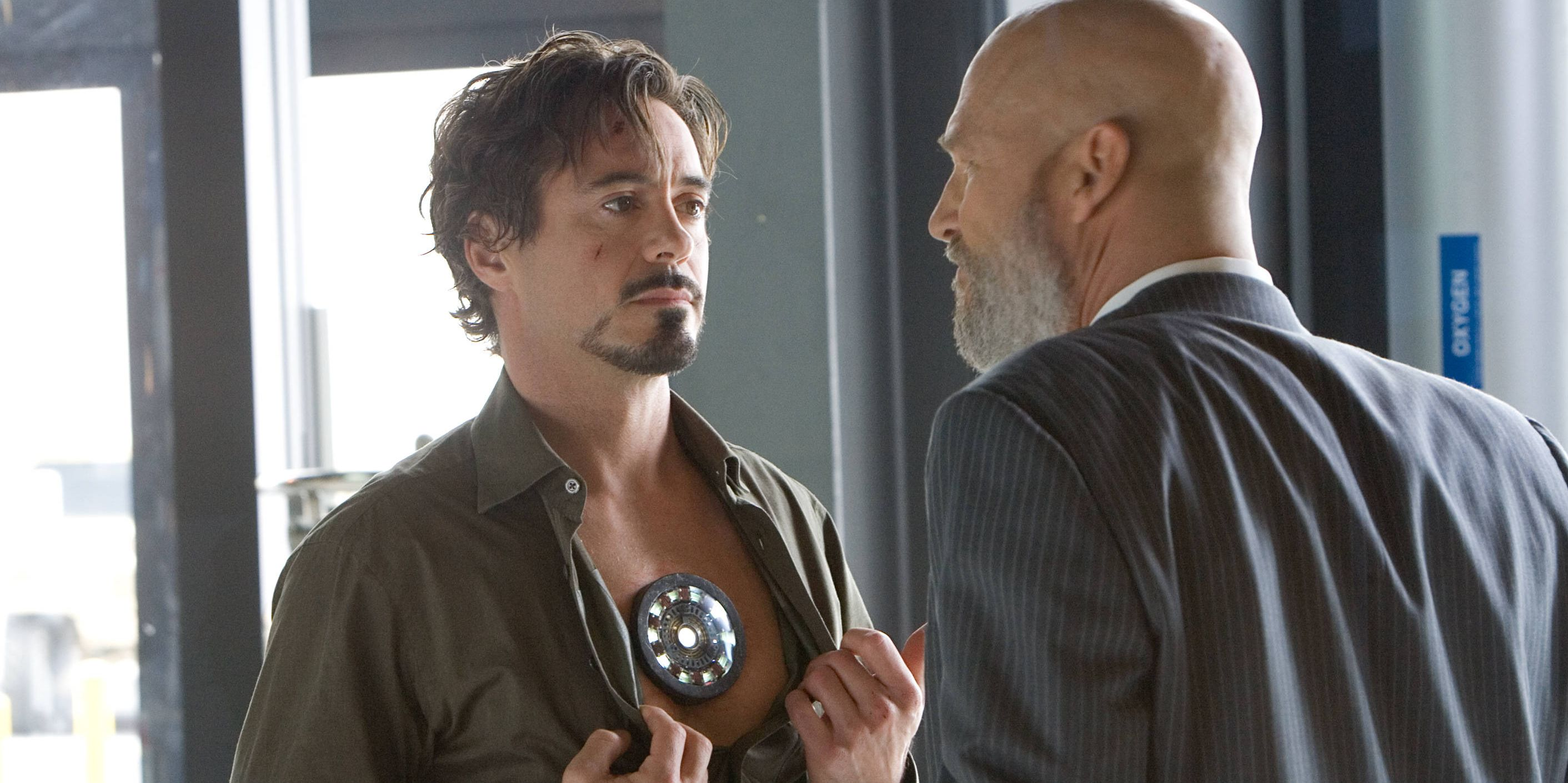 Robert Downey Jr និង Jeff Bridges ក្នុងរឿង Iron Man