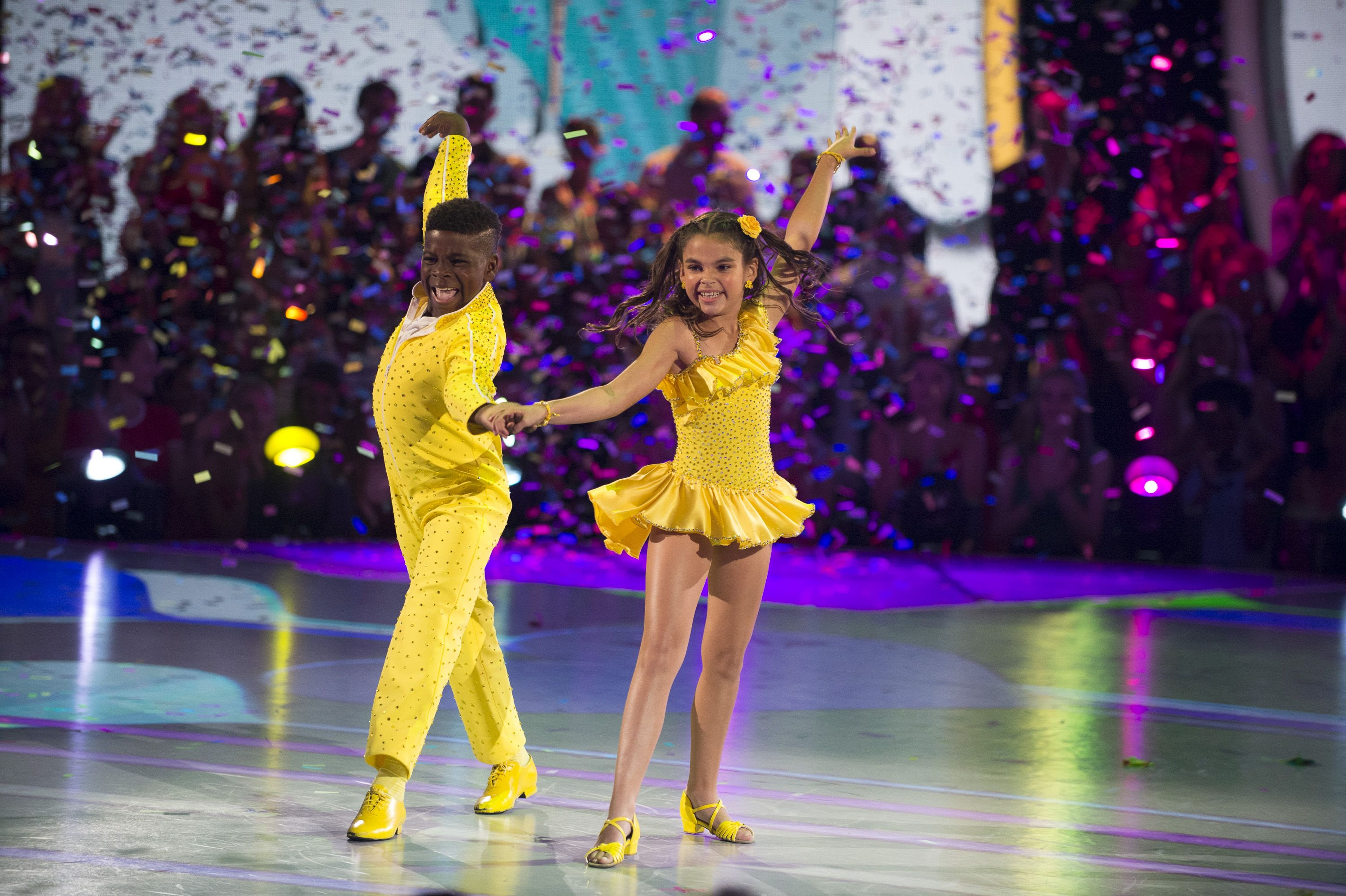 dancing with the stars juniors is not live why you can t vote on
