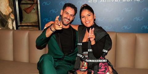 Asraf Beno felicita a Isa P por su cumpleaños