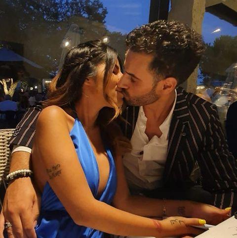 isa pantoja y asraf beno besándose en una foto de instagram