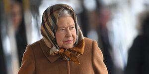 Isabel II, Reina Isabel Inglaterra, Isabel II en metro, Queen Elizabeth, Queen Elizabeth subway