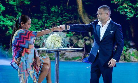 Isabel Pantoja y Jorge Javier Vázquez se estrechan la mano en Supervivientes 2019