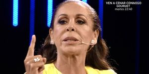 Isabel Pantoja le niega la palabra a Mónica Hoyos por un comentario que hizo sobre su madre