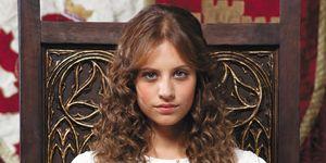 Isabel serie michelle jenner