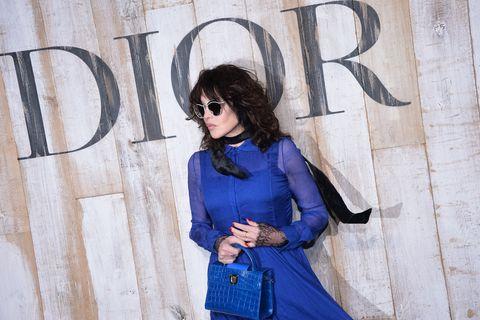Blue, Clothing, Eyewear, Cobalt blue, Fashion, Jeans, Beauty, Street fashion, Shoulder, Electric blue,