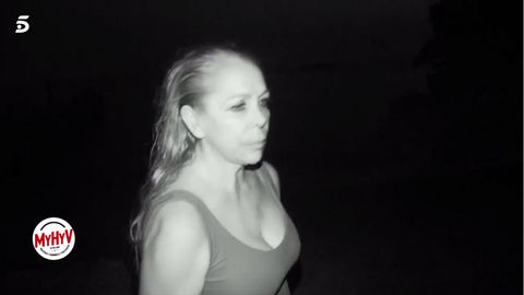 Isabel Pantoja luce bañador en su primera noche en 'Supervivientes'